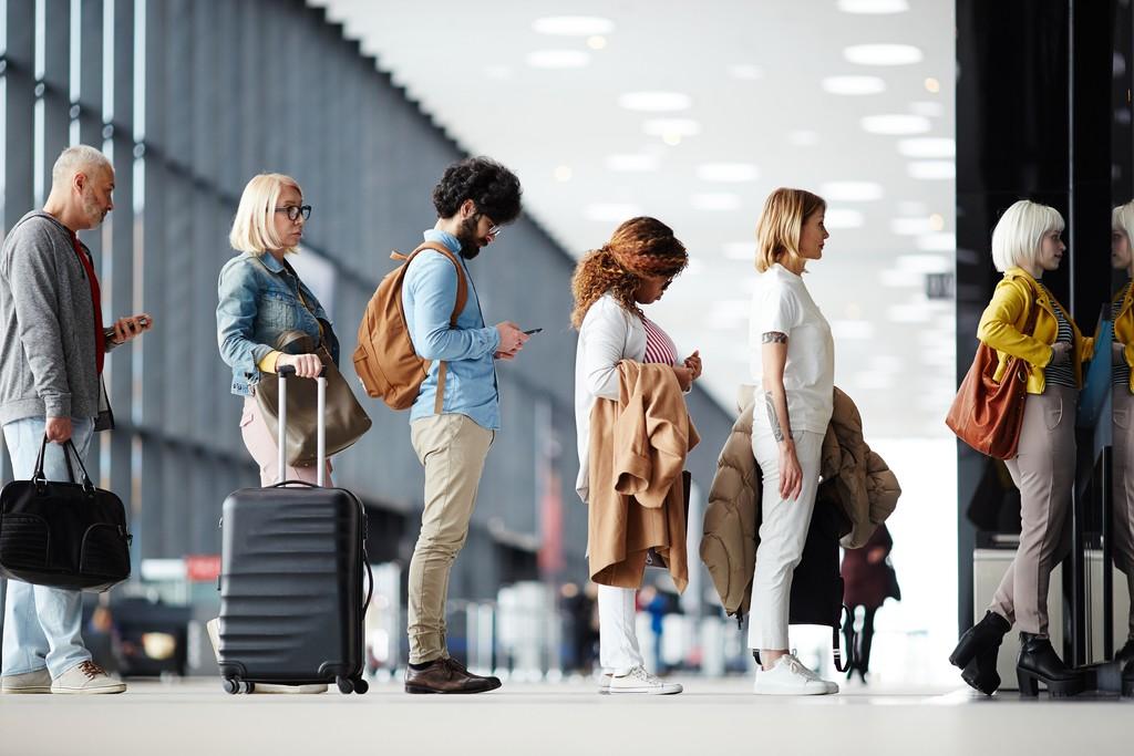 ile trwa odprawa na lotnisku