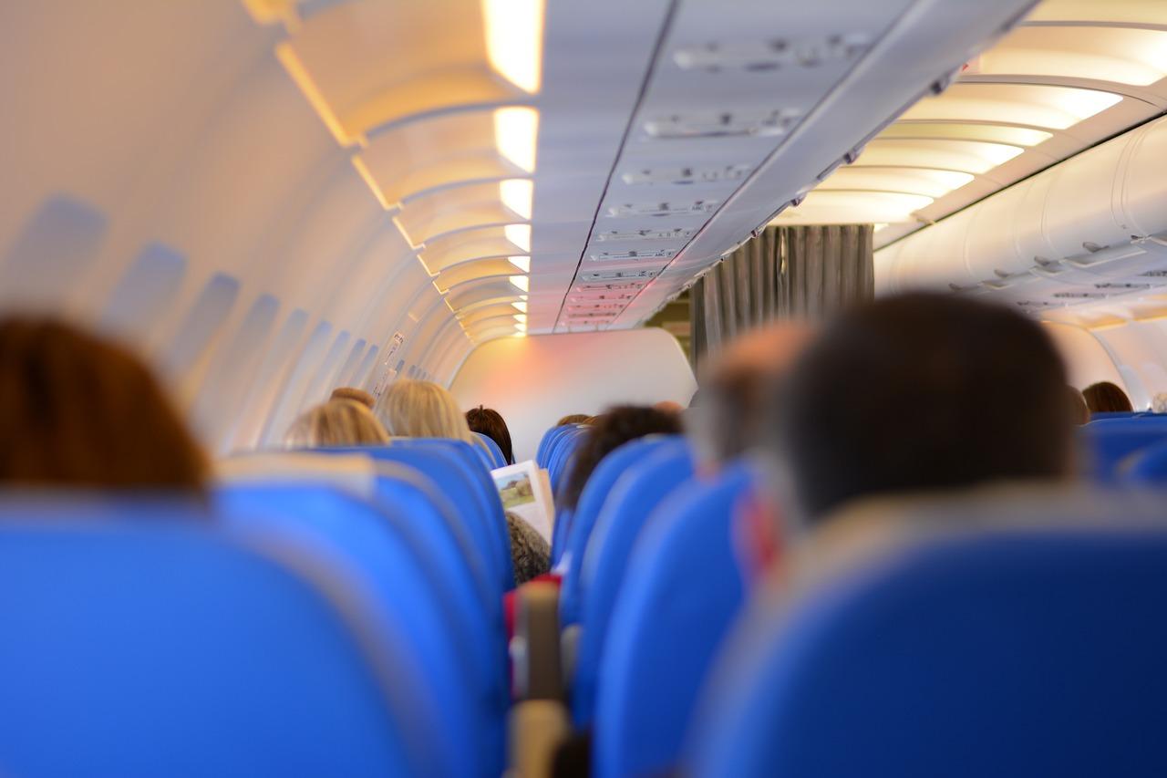 Czy w samolocie można używać telefonu