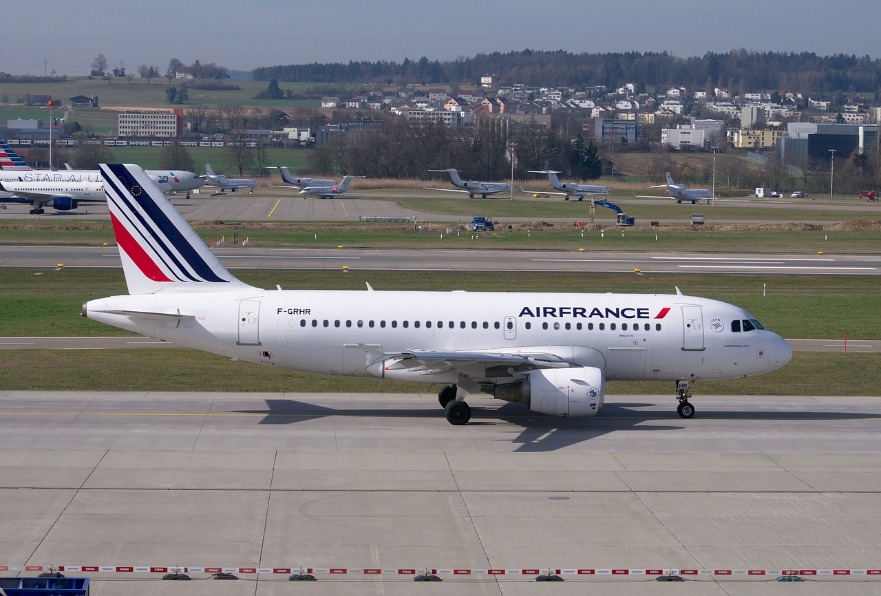 Samolot pasażerski Airbus A319 linii Air France