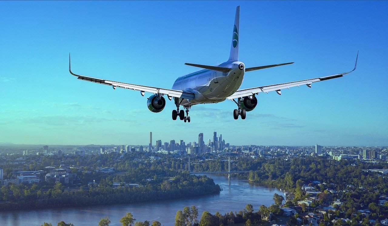 lądowanie samolotu pasażerskiego